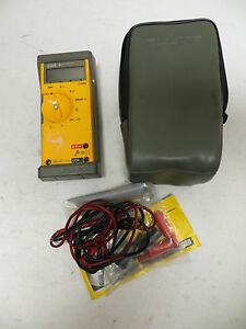 Fluke 21 Multimeter With Belt Case Carrying Pouch