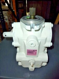 New Eaton Manually Variable Displacement Axial Piston Pump 70160 rgm 03