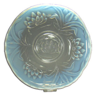 Large Pressed Glass Blue Opalescent Center Bowl In Water Lilly Pattern 1920 S