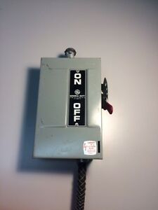 Ge 266211 a Safety Switch Disconnect 30 Amp 240 Vac 7 5 Hp W Receptacle
