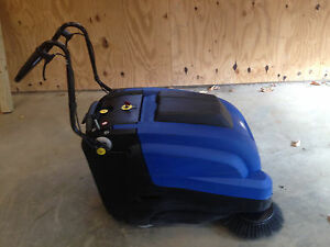 Windsor Radius 300 Battery Comercial Sweeper Refurbished 6 Months Old Will Ship