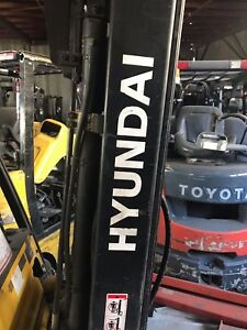 Used Hyundai 2lc 7 Forklift Mast 189 Lift