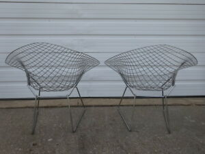 Vintage Mid Century Modern Pair Of Knoll Harry Bertoia Diamond Chrome Wire Chair