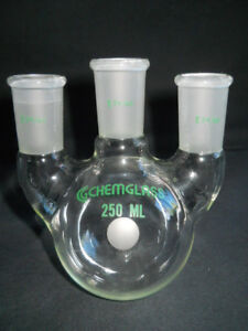 Chemglass 24 40 Joint Vertical 3 neck 250ml Round Bottom Flask