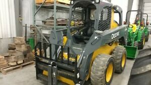 2014 John Deere 326e Skid Steer Loaders