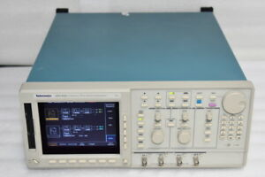 Tektronix Awg420 Arbitrary Wavefrom Generator 2 Channels 200ms s