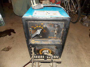 Miller Thunderbolt Xl Arc Welder 225 150 Amp Cc Ac Dc Welding Power Source