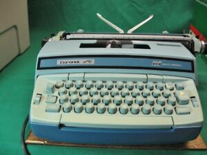 Smith Corona Coronet Super 12 Blue Electric Portable Typewriter Extremely Clean