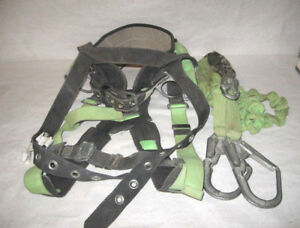 Used Miller Safety Harness With Shock Absorber roofs trees 400 Lb Limit