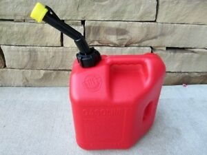 New Blitz 2 Gallon 8oz Gas Fuel Can With Vented Fixed Spout 50810 Usa