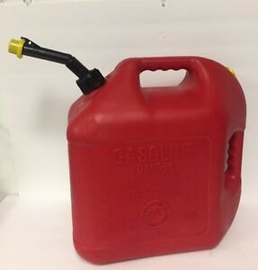 Blitz 5 Gallon Gas Can Model 50833 With Self Venting Spout 18 9 Liters Easy Pour