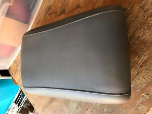 2003 2006 Ford Expedition Center Console Arm Rest Lid Oem Grey Leather