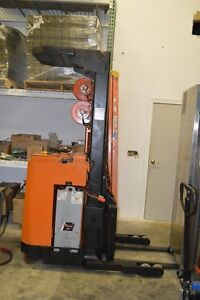 Raymond Model 20 Fork Lift Order Picker 3000lb Capacity 150 Lift