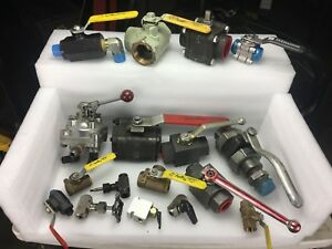 17 Hydraulic Directional Control Valves Massive Lot Of Big Small New Used