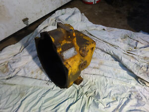 John Deere 420 430 440 Crawler Dozer Clutch Housing