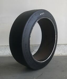 21x7x15 Forklift Tire Cushion Press on Smooth Black 21715