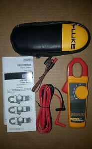 Fluke 323 True rms Clamp Digital Meter