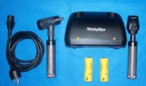 Welch Allyn Desk Set 23820 Macroview Otoscope 11720 Coaxial Ophthalmoscope