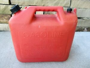 Wedco 5 Gallon Vented Gas Fuel Can With Spout W520 Made In Canada