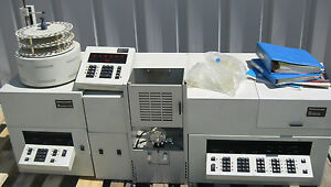 Perkin Elmer 5000 Atomic Absorption Spectrophotometer W Extras