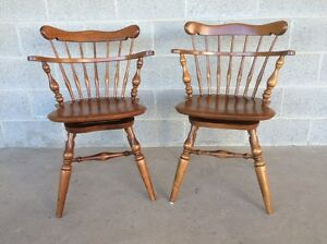 Ethan Allen Pair Of Swivel Maple Comb Back Windsor Chairs Desk Chairs 10 6051