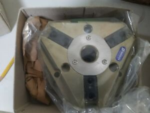 Schunk Pneumatic Universal 3 finger Centric Gripper Pzb 125 1 as P n 305182