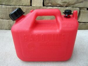 New Wedco 1 Gallon 4oz Vented Gas Fuel Can With Spout W 120 Nos Usa