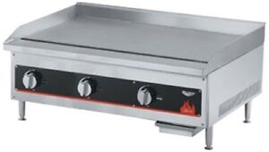 Vollrath 40723 Cayenne 36 Flat Top Gas Griddle Thermostatic Control