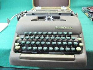 Vintage Smith Corona Sterling Typewriter In Tweed Case Excellent Plus