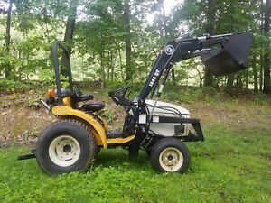 Cub Cadet 7195 4x4 Tractor Loader Low Hour Hydro Trans Turf Tires Nice Cond