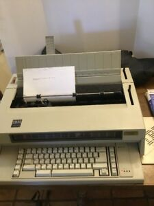 Ibm Wheelwriter 3 Electronic Typewriter With Cover And Cartidges