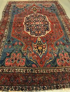 An Attractive Vintage Design Antique Bijar Rug