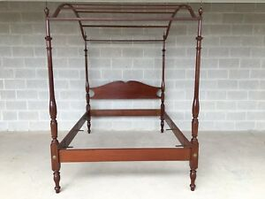 Suters Furniture Solid Mahogany Double Canopy Chippendale Style Poster Bed