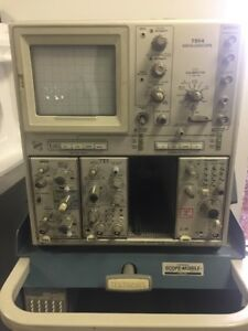 Tektronix 7904a 500mhz 4 Slot Oscilloscope Mainframe W Scope mobile 204 Cart