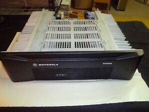 Motorola Mtr2000 T5766a 403 470 Mhz Uhf Base Repeater Y114