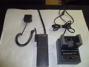 Motorola Mt500 Low Band Two Way Radio W Mic Charger Ghostbusters Prop P74