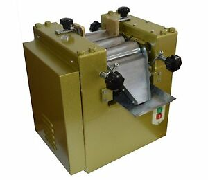 S65 Three Roll Grinding Mill Machine 3 roll Grinder For Lab Applications 220v