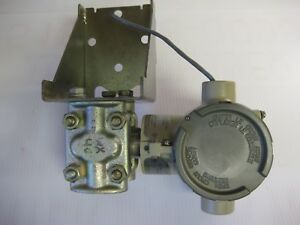 Honeywell St 824 Differential Pressure Transmitter Std824 a1a