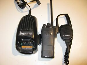 Motorola Vhf Pr1500 Portable 5w 32 Ch With Charger Aah79kdc9pw5 Xts Family