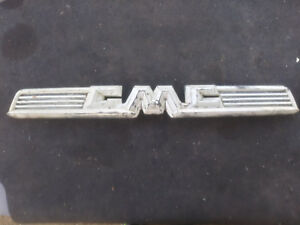1958 1959 Gmc Pickup Hood Emblem 2374613 used