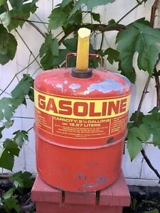 Vintage Red 1977 Sears Craftsman Metal Gas Fuel Can 5 1 4 Gallons