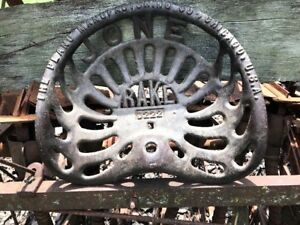 Antique Cast Iron jones Rake D222 Tractor Implement Seat Nice
