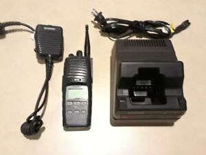 Harris P7300 Multi mode 764 870 Mhz Two Way Radio W Mic Charger Maev s7hxx