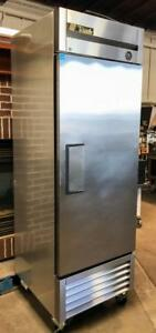 True T 23 Bakery Restaurant Equipment Reach in Solid Swing Door Refrigerator
