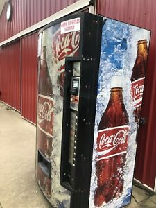 Vendo 511 Vending Machine Coin Dollar Coke Graphics Soda Pop Cans Bottles 1 5