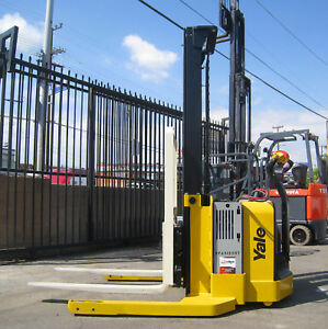 2015 Yale Walkie Stacker Walk Behind Forklift Straddle Lift Only 265 Hours