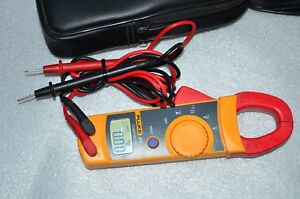 Fluke 322 Multimeter Clamp Meter W test Leads