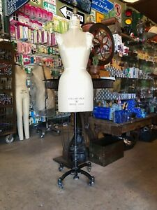 Modern Model Form Sz 9 Model 1998 Professional Dress Form
