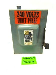 Square D Safety Switch D321n 30a 240vac 3ph 3hp