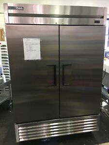 scratch Dent True T 49 hc 54 Two Section Solid Door Reach In Cooler